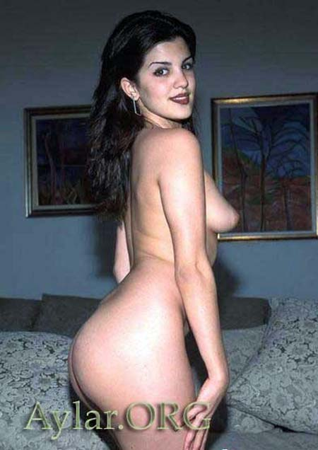 Aylar lie naked
