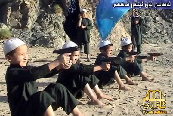http://iranpoliticsclub.net/islam/why-islam/images/Jihad%20Muslim%20Children%20shooting%20exercise%20at%20Al%20Qaeda%20Training%20Camp%20Pakistan.jpg