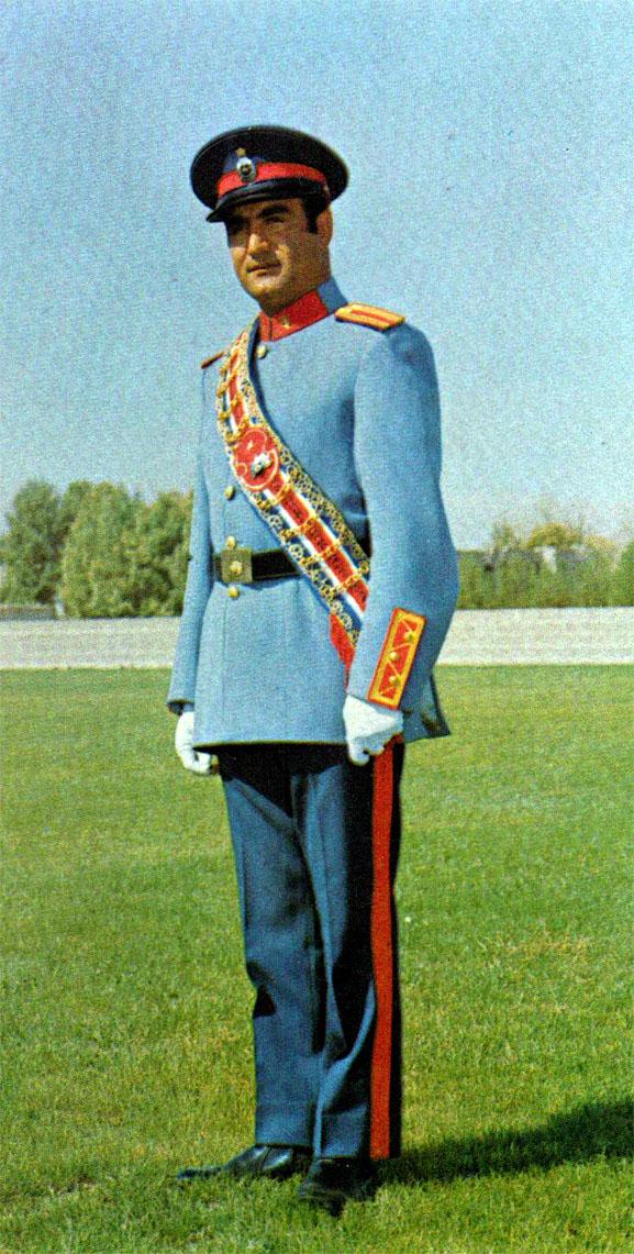 Iran Politics Club Iranian Military Uniforms Pictorial