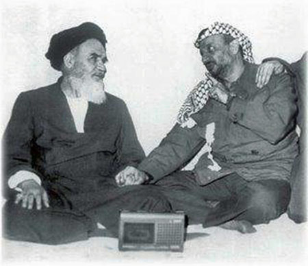 Arafat%20&%20Khomeini%20holding%20hands.jpg