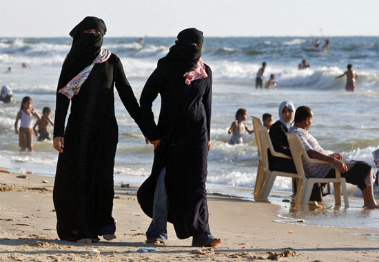 "manhattan beach single muslim girls The course mandates that seventh-graders learn the tenets of islam, study the  "" we could never teach christianity like this,"" one outraged parent told ans."