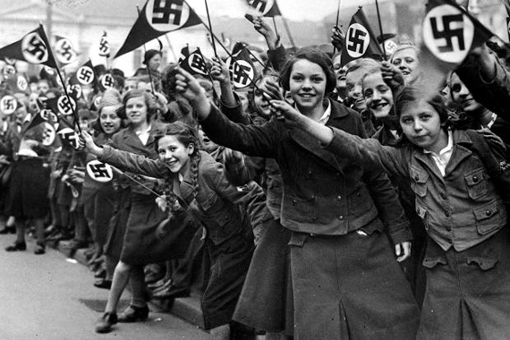 http://iranpoliticsclub.net/photos/nazi-girls5/images/Nazi%20German%20Girls%20cheering%20for%20Hitler.jpg